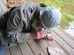 Ülo kivi uurimas.